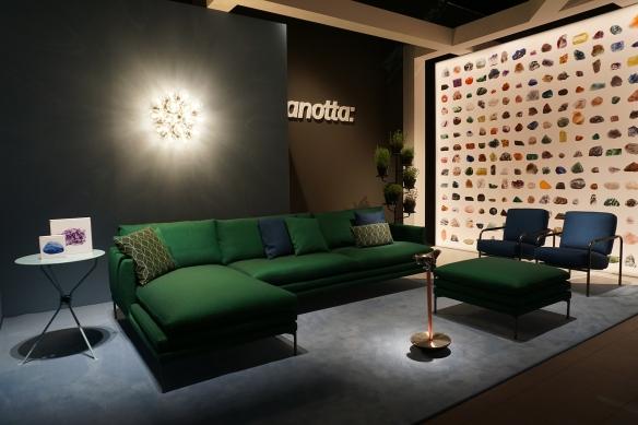 foto 02 - Muitos sofás verdes no salão como este de zanota