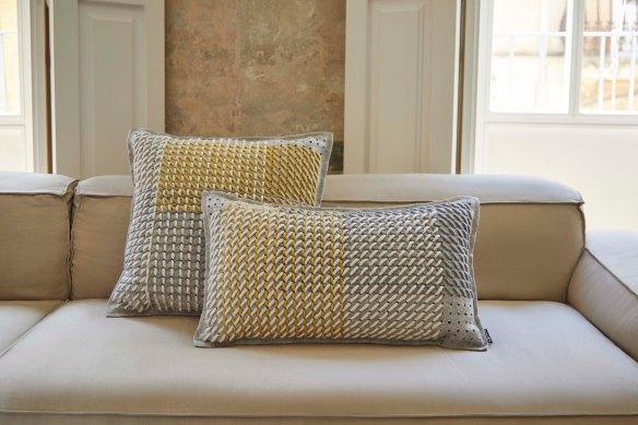 Canevas geo grey cushions image 1